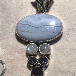 Jewelry - One stone pendant set in 925 sterling silver